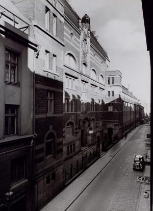 Jakobsbergsgatan 22-24, i kvarteret Jericho. År 1916.