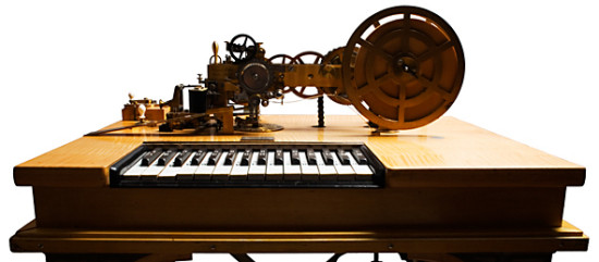 David Hughes typtryckstelegraf såg mer ut som ett piano än en skrivmaskin.