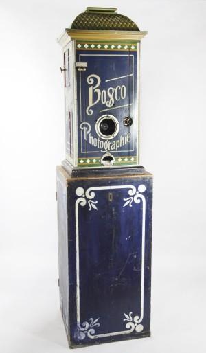 Bosco fotoautomat i Tekniska museets samlingar var en nyhet i Sverige 1897.